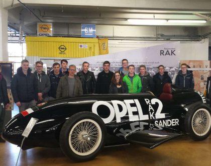 Zusatzkurs Maschinenbau zu Besuch bei Opel