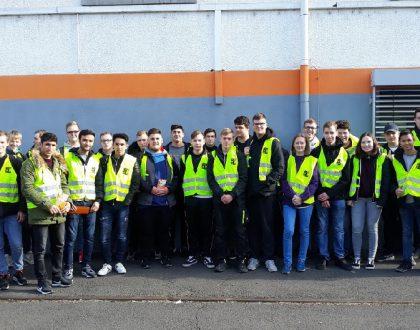 Erkundung neuer Berufsbilder – Betriebsbesichtigung der Blechwarenfabrik