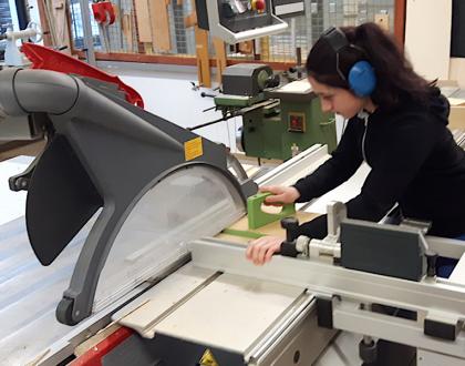 Sicheres Arbeiten an Holzbearbeitungsmaschinen